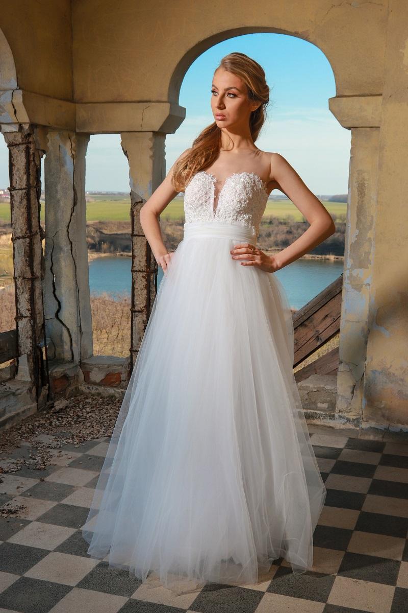 Juliette rochie de mireasa te poarta intr-o lume de printese, iti va transforma momentul intr-unul de basm.