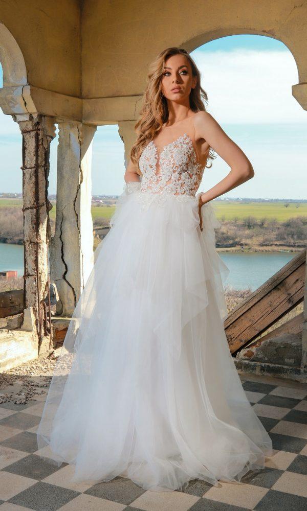Roxanne rochie de mireasa | Cel mai iubit model revine in 2020 cu o reintepretare unde ne-am jucat cu asimetria fustei de tulle