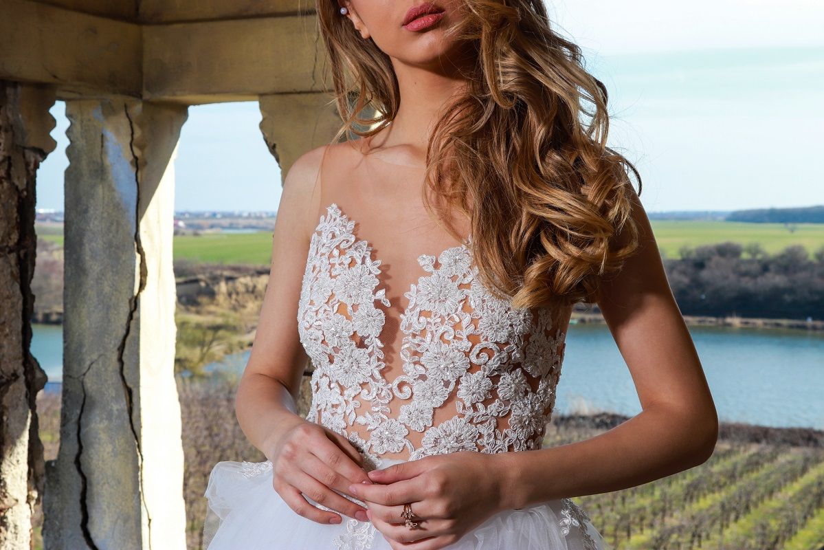 Rose Fever Bridal Collection | The garments are created by hand with great care from carefully selected premium materials.