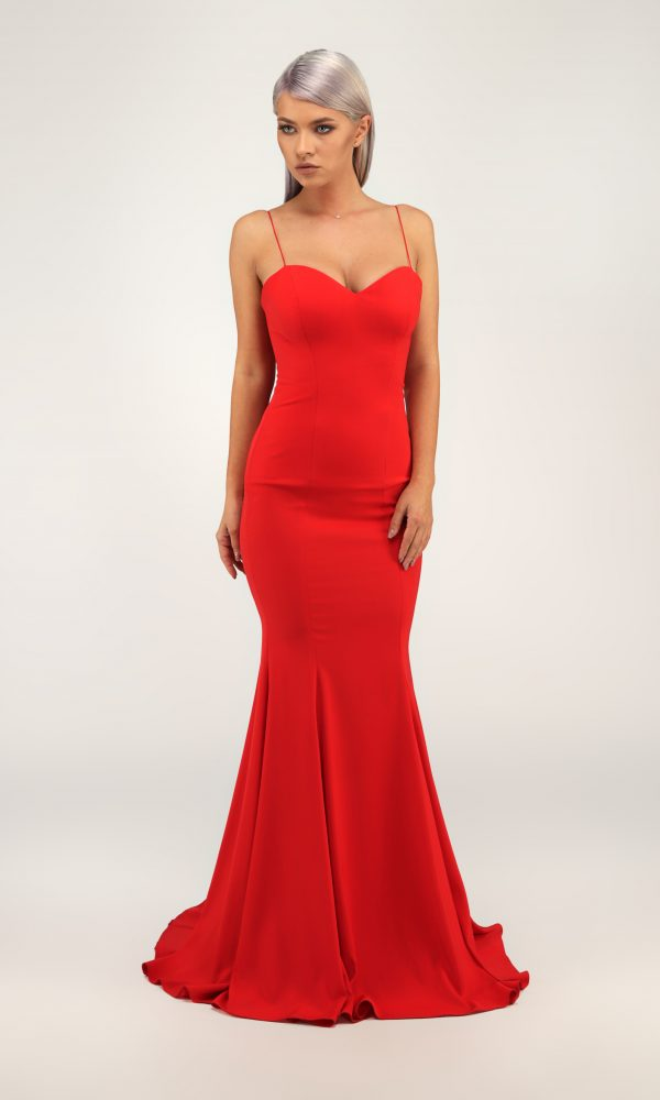 Manu dress - Built in a heart shape corsage with two tin straps. Vegetable lining.Hidden zipper fastening at the back.
